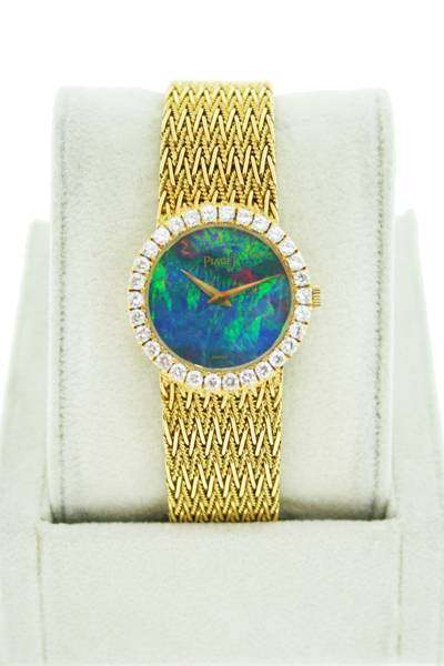 piaget_pearl_dial_watch