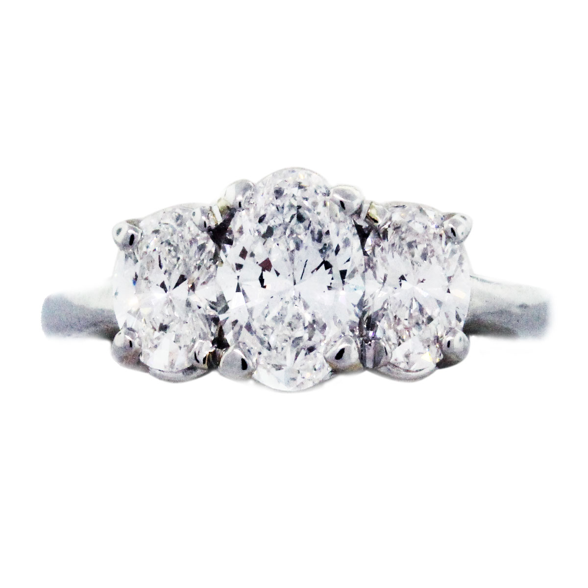 Oval Shaped Diamond Engagement Rings