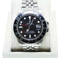 Estate Rolex GMT-Master 1675 Black Bezel Jubilee Bracelet Gents Watch
