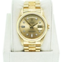 Rolex Day-Date 18K Yellow Gold Single Quickset Champagne Diamond Dial