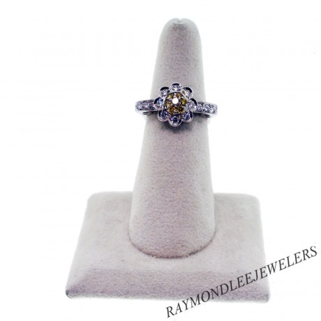 Pre – Owned 18K White Gold, Yellow and White Diamond Floral Ring