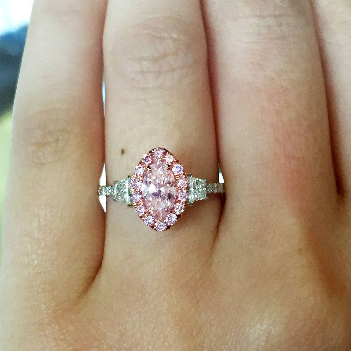 rings jewellery engagement diamond guides carat education pink