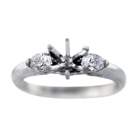 pear shape side stones engagement ring mounting