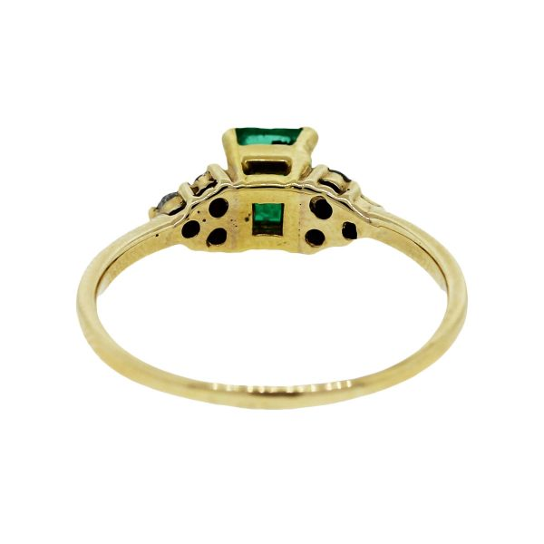 Pre Owned Yellow Gold Emerald Ring