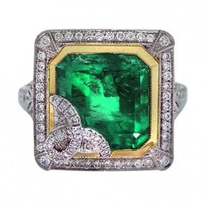 emerald-cocktail-ring
