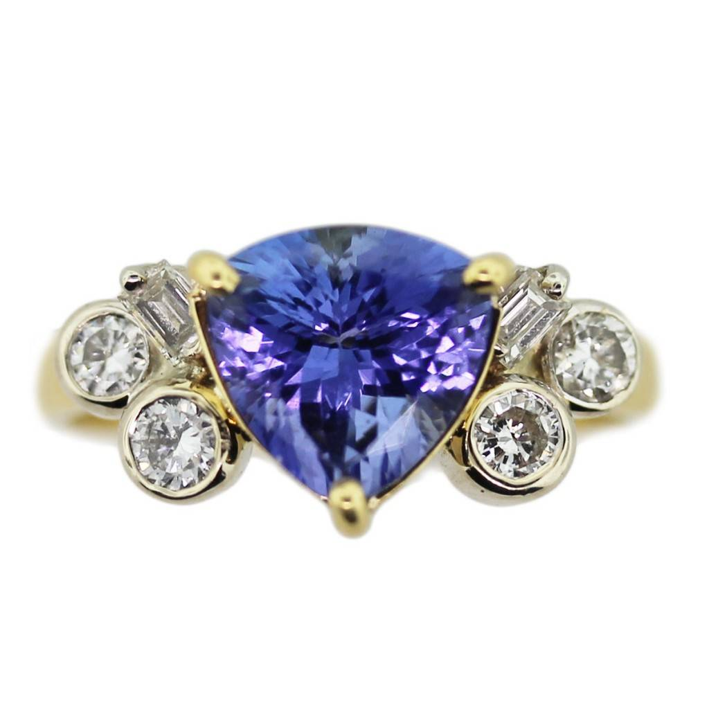 18kt yellow gold with tanzanite and diamonds