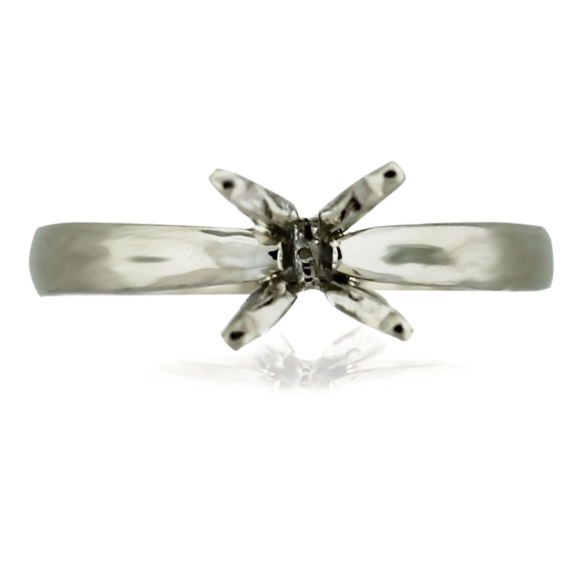 18k White Gold Solitaire 4 Prong Engagement Ring Mounting