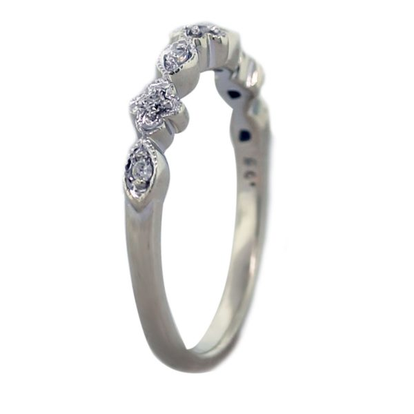 14kt White Gold Floral Diamond Thin Ring Angle