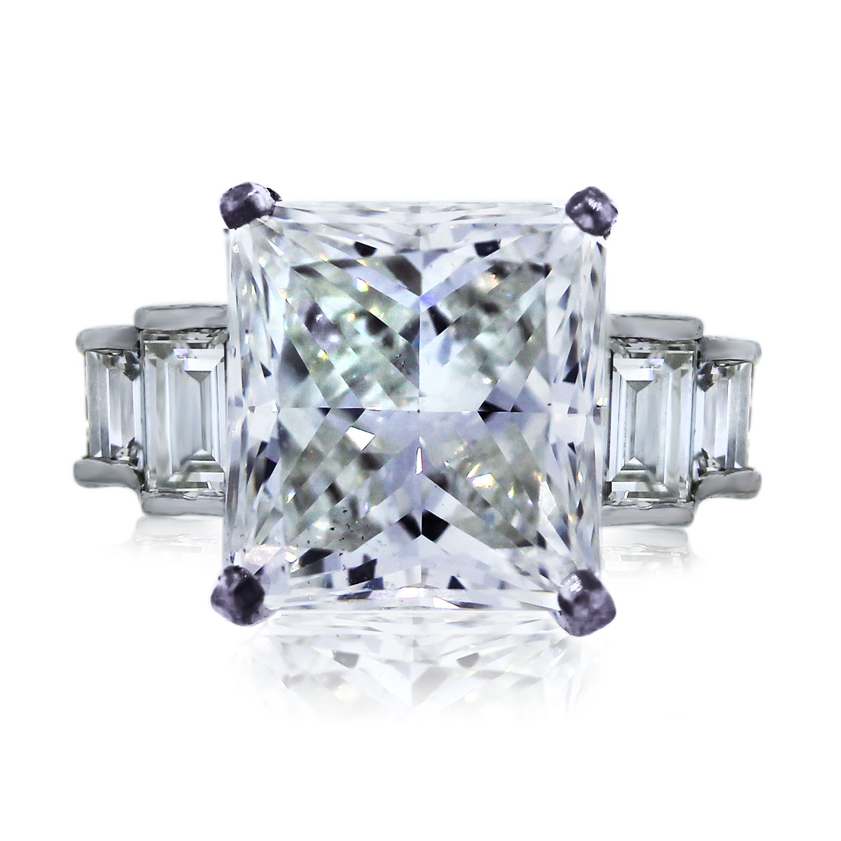 Check out this Stunning 6.05ct Diamond Engagement Ring!