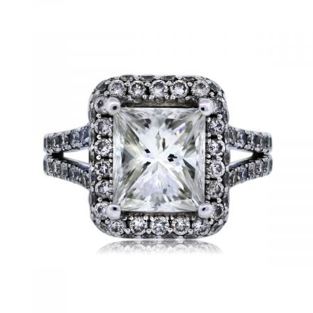You are Viewing this GIA Certified Radiant Cut Diamond Engagement Ring !