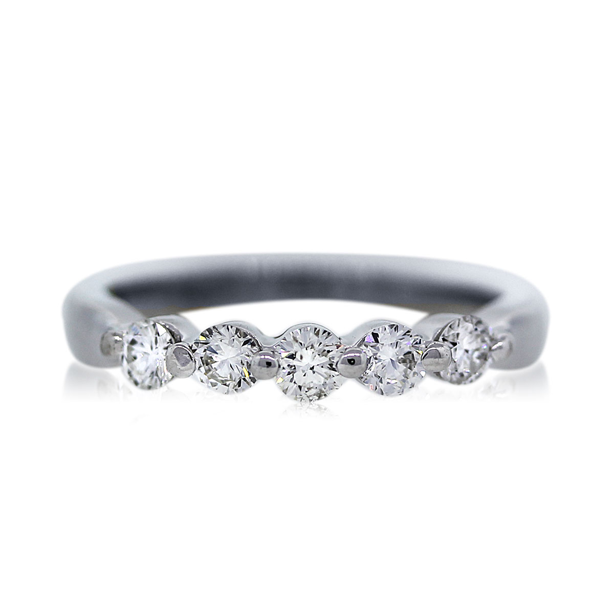 You are Viewing this 18k White Gold Diamond Wedding Band!