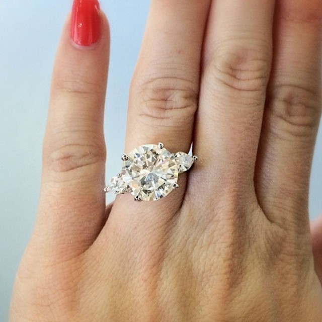 5 Carat Wedding Ring: How To Sell Jewelry In Boca Raton