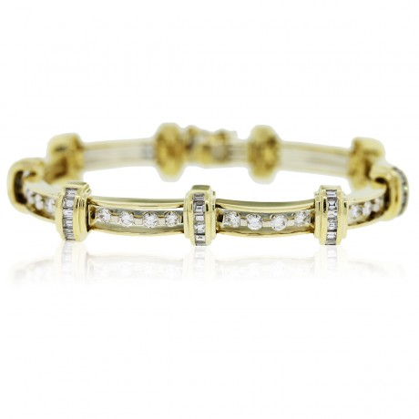 18k Yellow Gold Baguette and Round Diamond Link Bracelet
