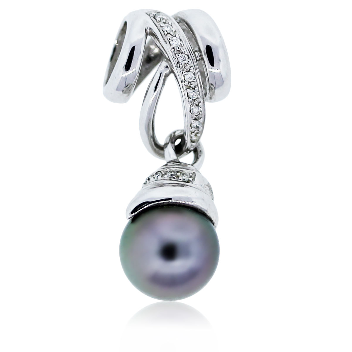 You are viewing this white gold black pearl and diamond pendant!!