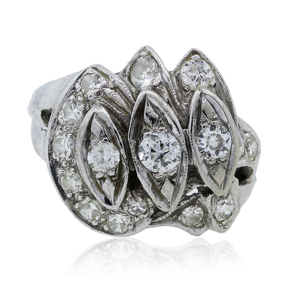 You are viewing this White Gold Vintage Diamond Ring!
