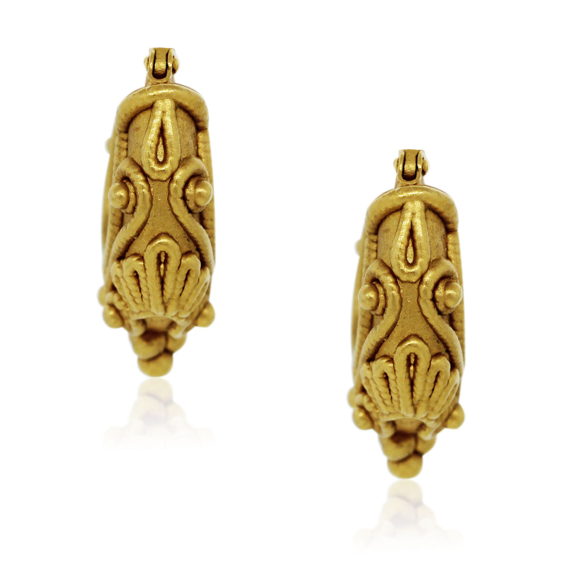You are viewing these 18k Yellow Gold Byzantine Style Earrings!