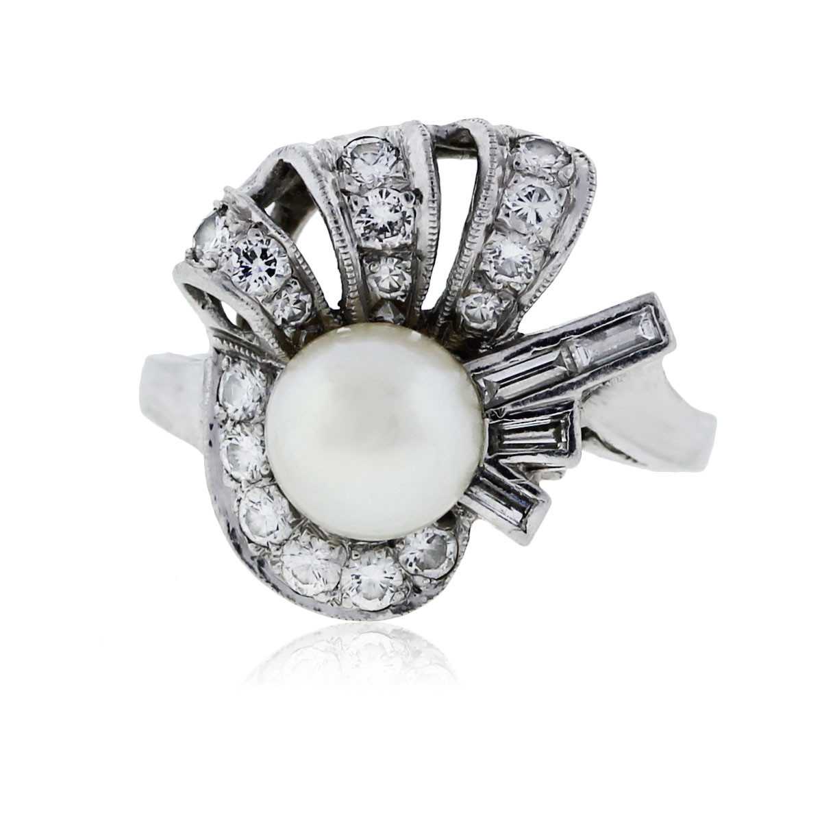 You are viewing this Diamond and Pearl Platinum Ring!