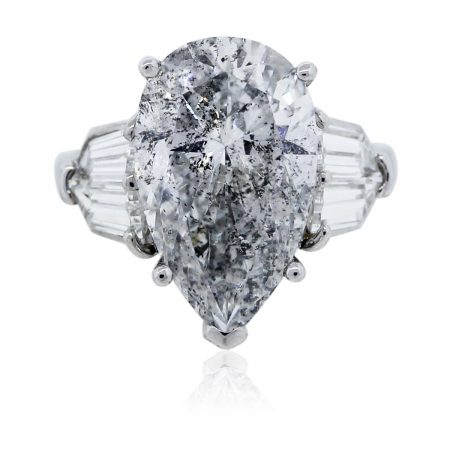 You are viewint this Pear Shaped Diamond Platinum Engagement Ring!