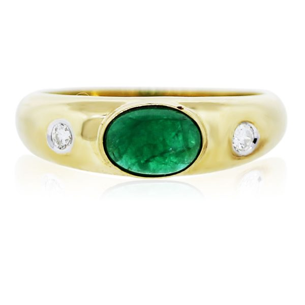 You are Viewing this Stunning Emerald and Diamond Ring!
