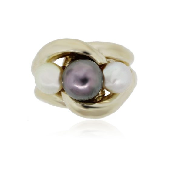 You are viewing this 14K Yellow Gold Multi Pearl Ring!