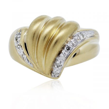 You are viewing this Yellow Gold Diamond Shell Ring!