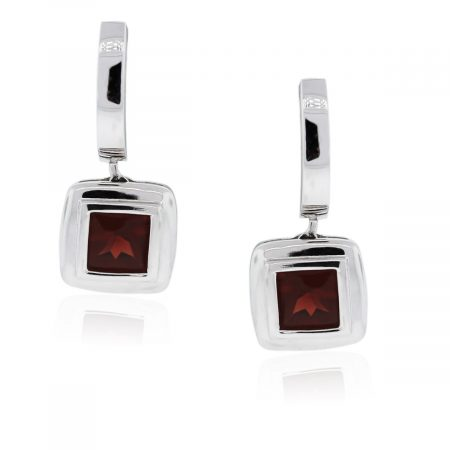 You are viewing these 14kt White Gold Garnet Drop Dangle Earrings!