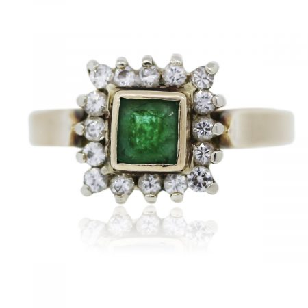 Your are viewing this 14K Yellow Gold Emerald With Diamonds Ring!
