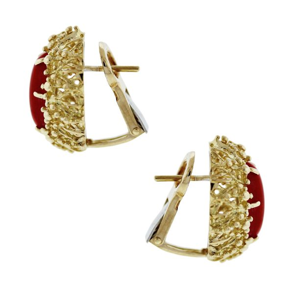 these 18kt Yellow Gold Coral Floral Stud Earrings are beautiful