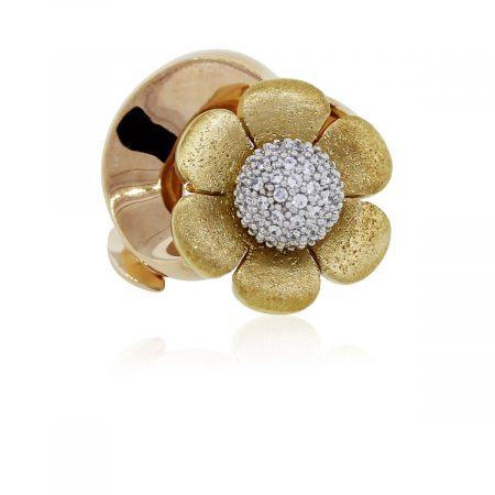 You are viewing this Two Tone Diamodn Flower Ring!