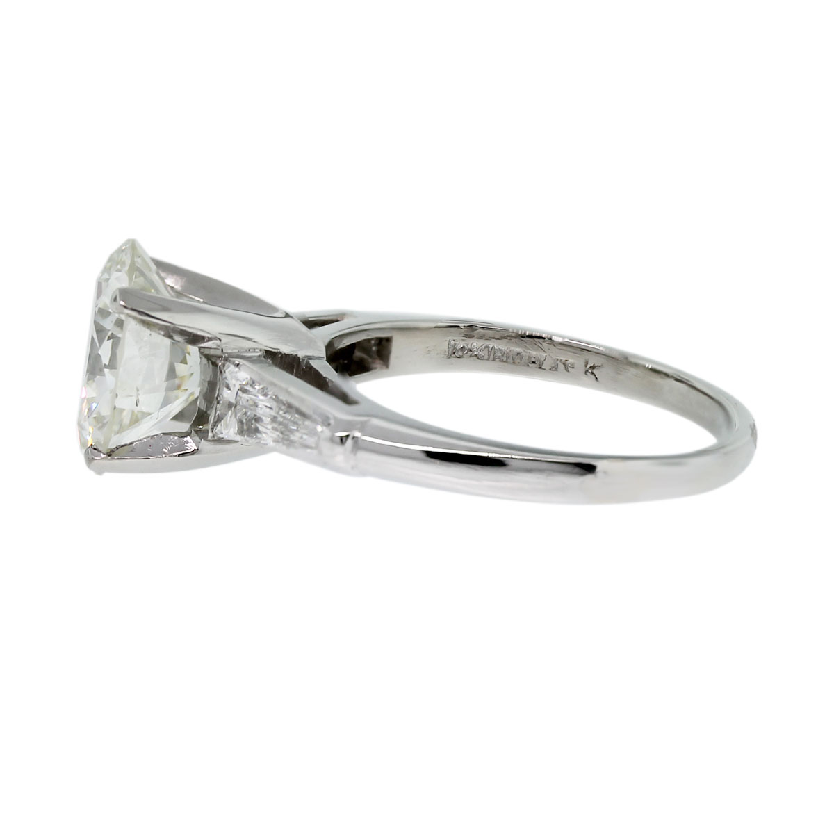 Have you seen this Platinum EGL Certified Round Brilliant & Baguette Diamond Engagement Ring!?