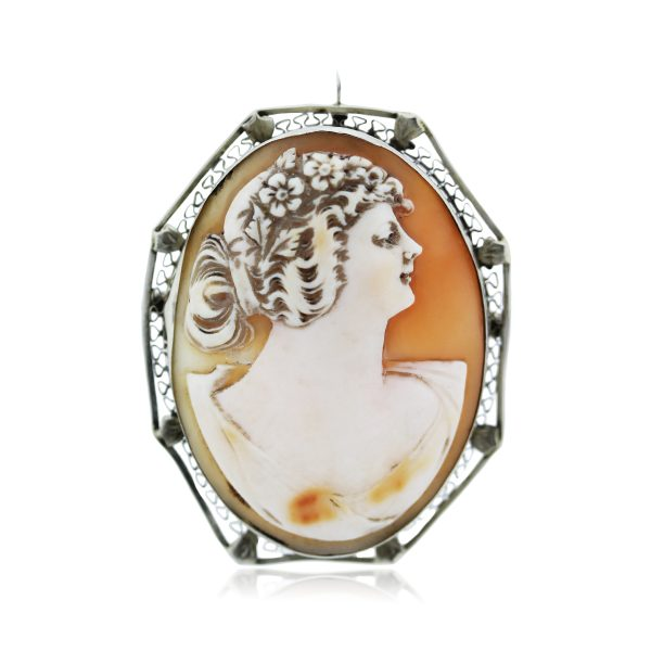 You are Viewing this Large Cameo Pendant
