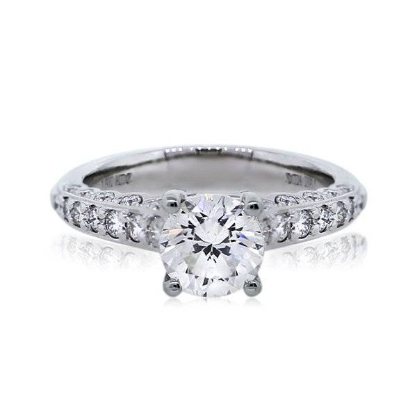 Round brilliant solitaire with diamond band