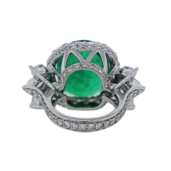 Emerald Cocktail Ring With Diamonds