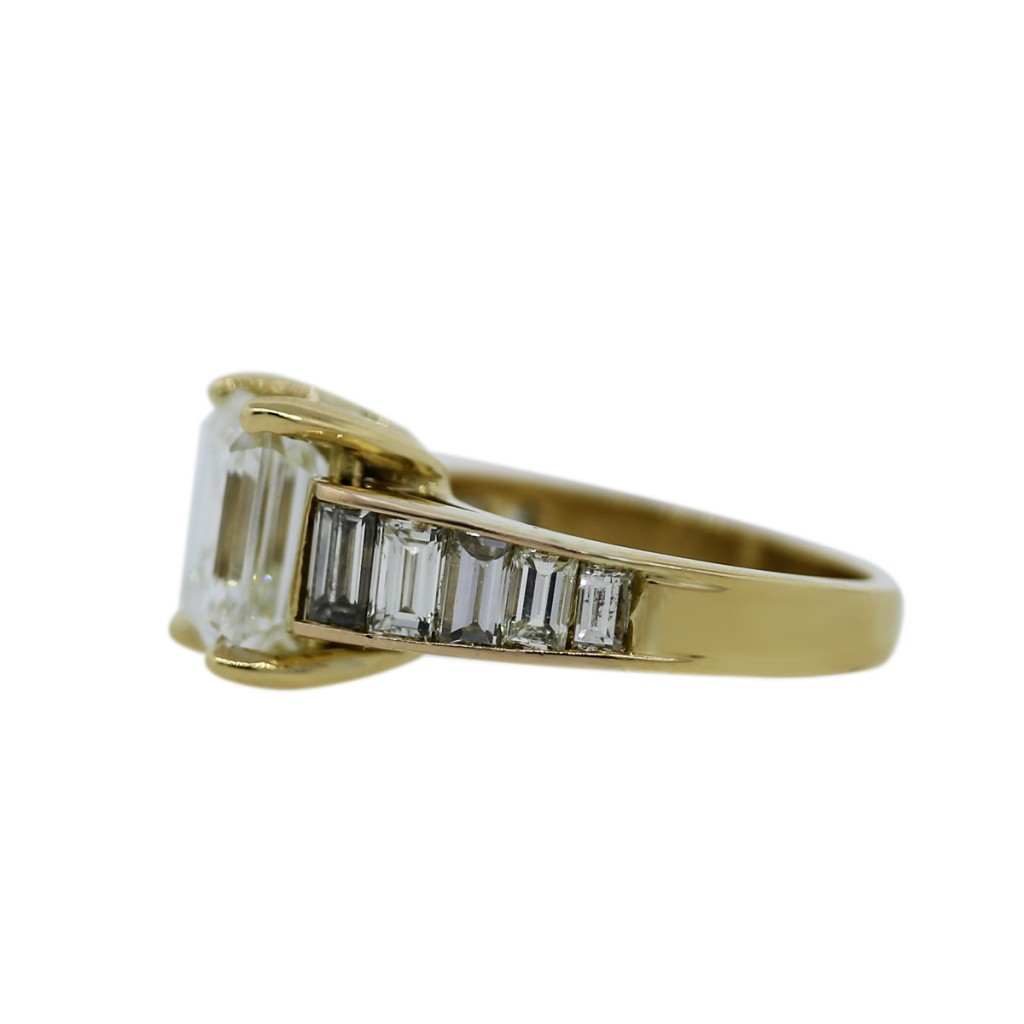 18k yellow gold emerald cut engagement ring setting