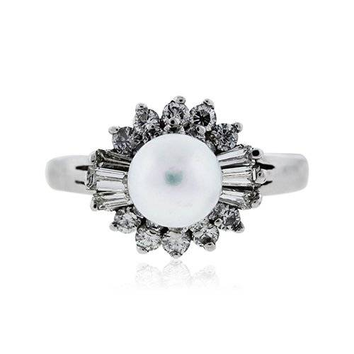 Vintage pearl ring with diamonds