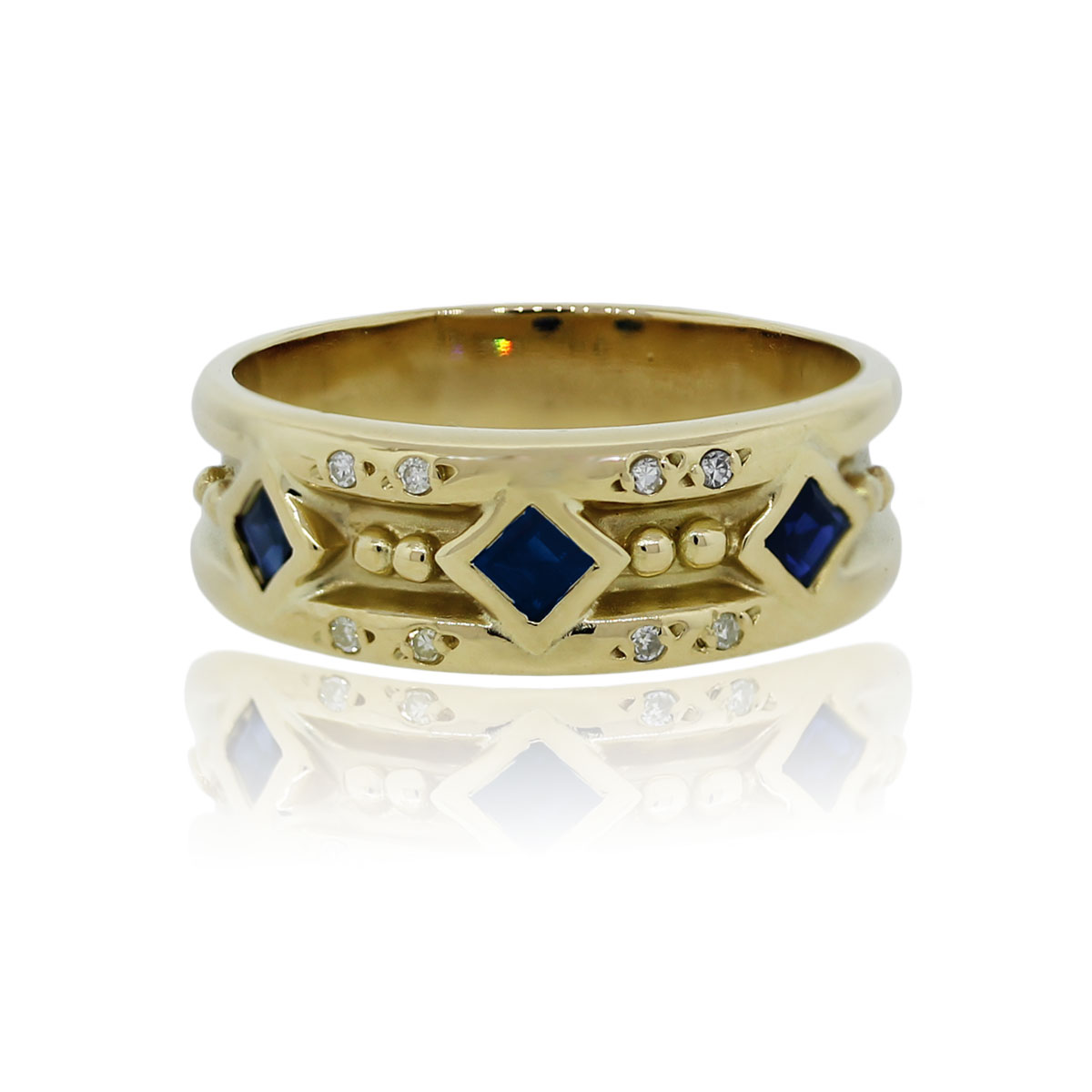 You are viewing this 18k Yellow Gold Princess Cut Sapphire and Diamond Cocktail Ring!