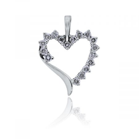 You are viewing this White Gold Diamond Heart Pendant!
