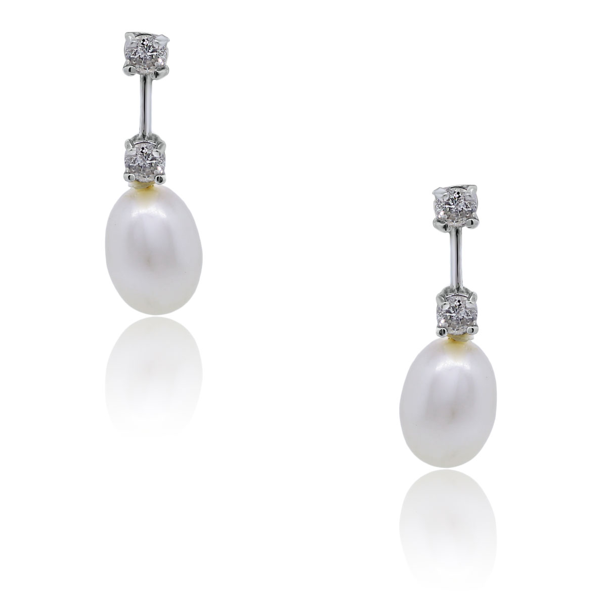 You are viewing these 18k White Gold Diamond Pearl Drop Dangle Earrings!