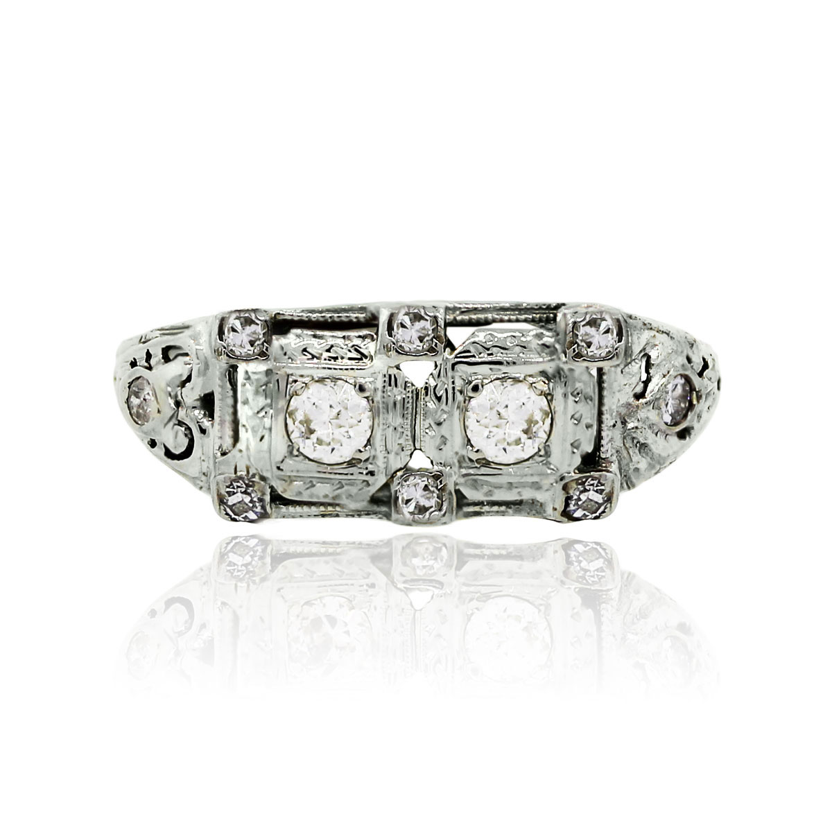 You are viewing this 14k White Gold 0.35ctw Round Brilliant Diamonds Vintage Ring!