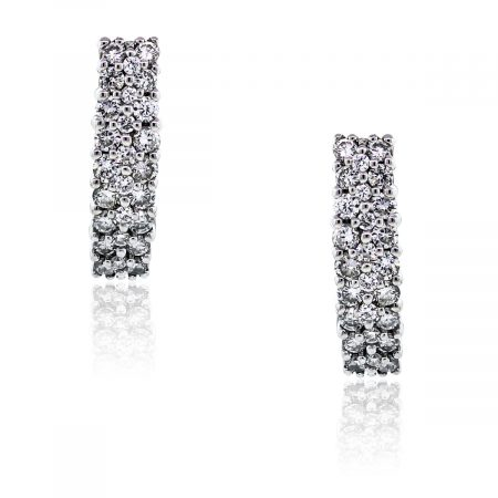 You are viewing these 14k White Gold Round Brilliant Diamond Huggie Earrings!