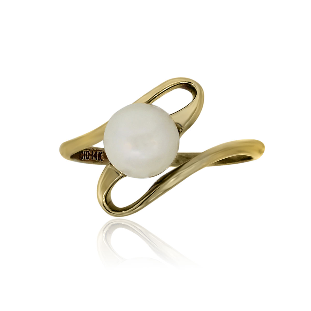 You are viewing this 14k Yellow Gold 6mm Pearl Solitaire Ring!