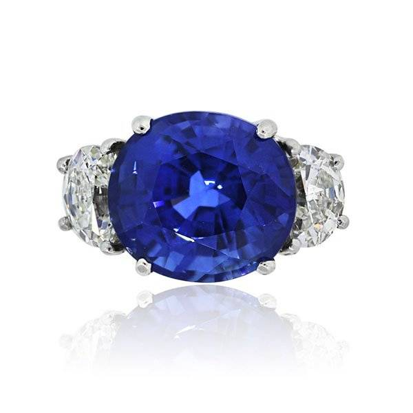 18k Yellow Gold Oval Natural Heated Madagascar Sapphire Diamond Ring