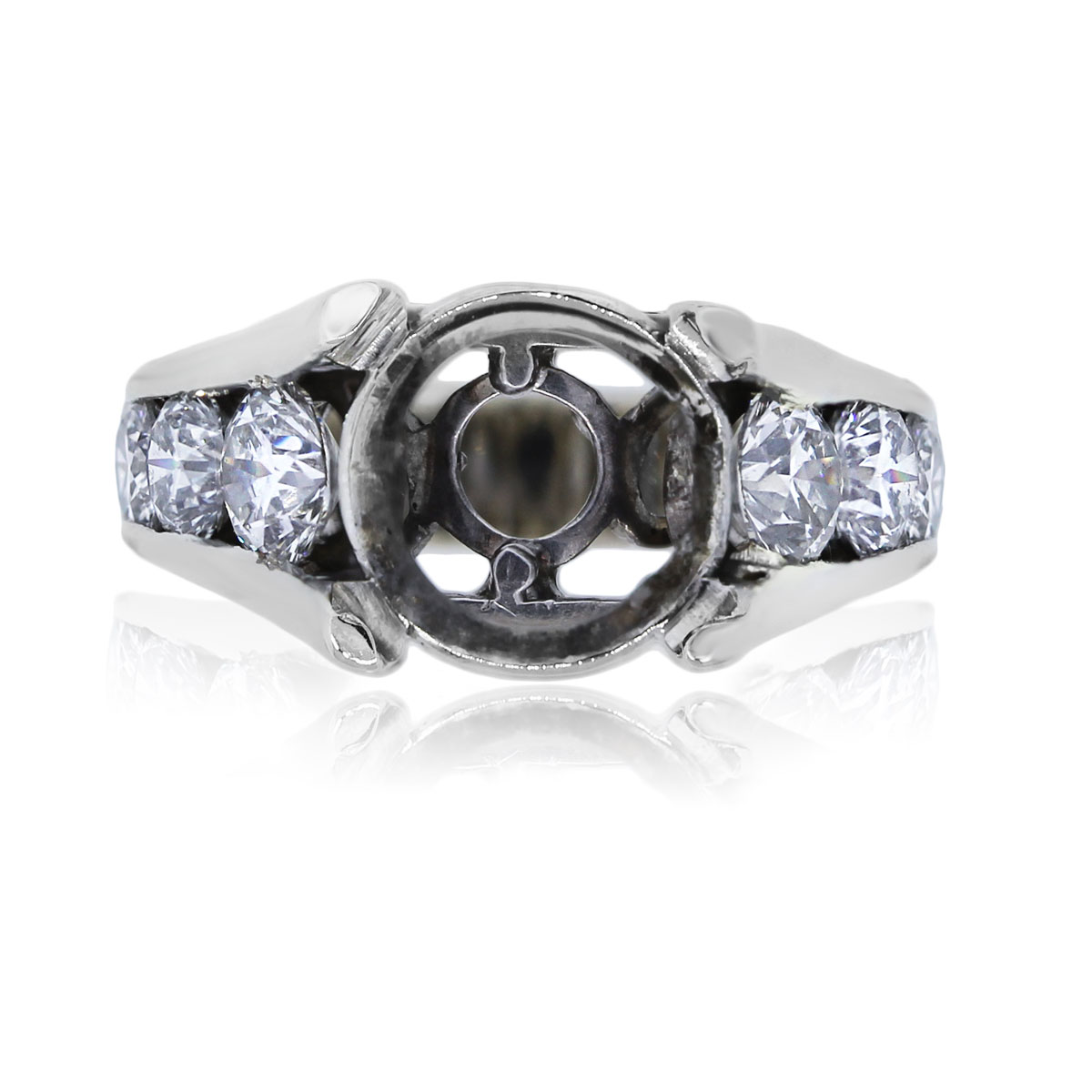 You are viewing this 14k White Gold Round Brilliant Diamond Mounting!