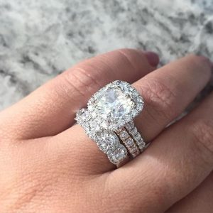 Top 10 DON'TS for Buying an Engagement Ring