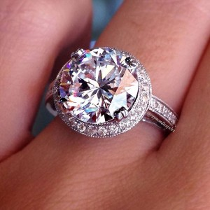 2 carat round brilliant halo