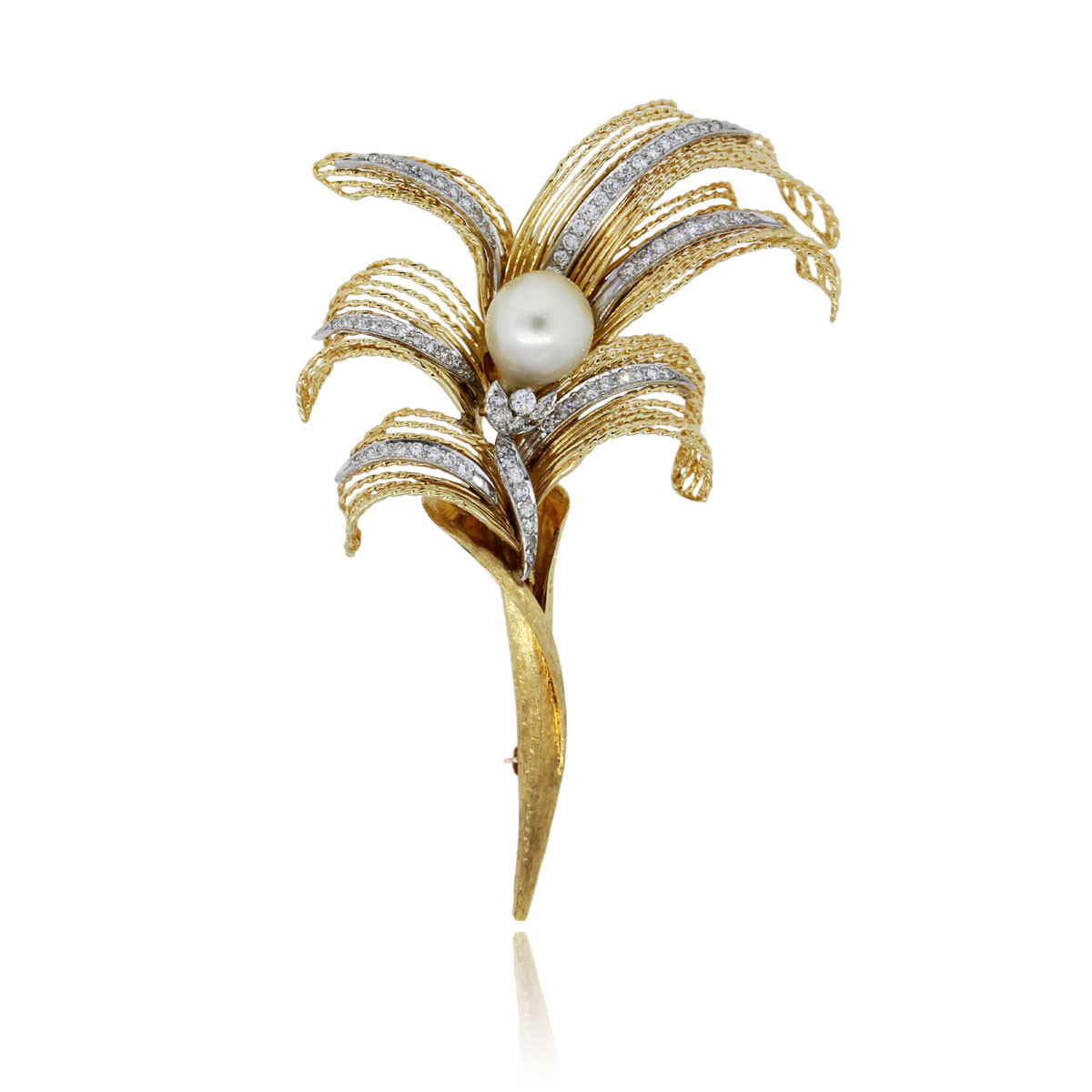 You are viewing this 18k Yellow Gold 1.2ctw Diamond 10.75mm Pearl Pin!