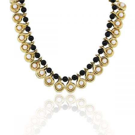 You are vewing this 18K Yellow Gold White Pearl Necklace with Onyx!