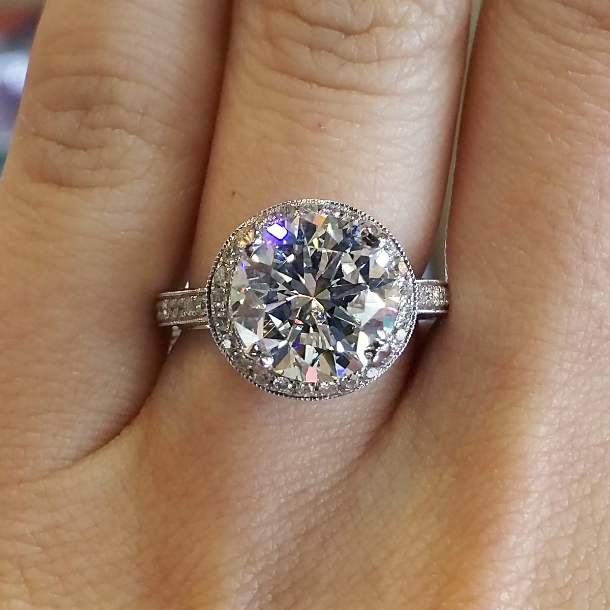 Round Brilliant Diamond Halo Engagement Ring