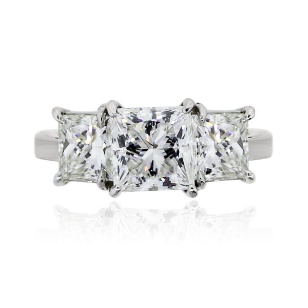 You are viewing this Platinum 4.23ctw Princess Cut Diamond Engagement Ring!