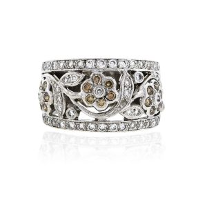 You are viewing this 14k White Gold 1ctw White & Brown Diamond Floral Ring!